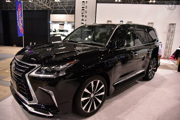 DOUBLE EIGHT LEXUS LX570 LX450D 2016+ - вид спереди